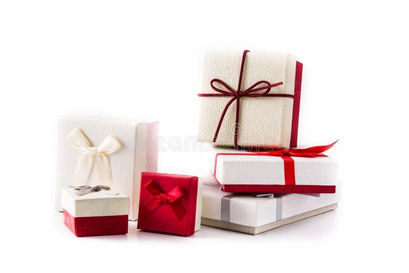 在白色背景的一些礼物盒 免版税库存图片