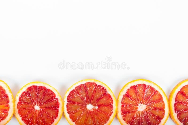 在白色背景的五颜六色的新鲜的柑桔 桔子, tangeri 免版税图库摄影