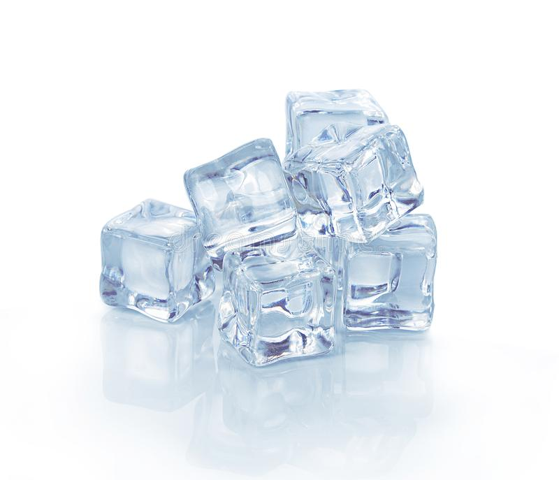 在白色背景的冰 免版税库存照片