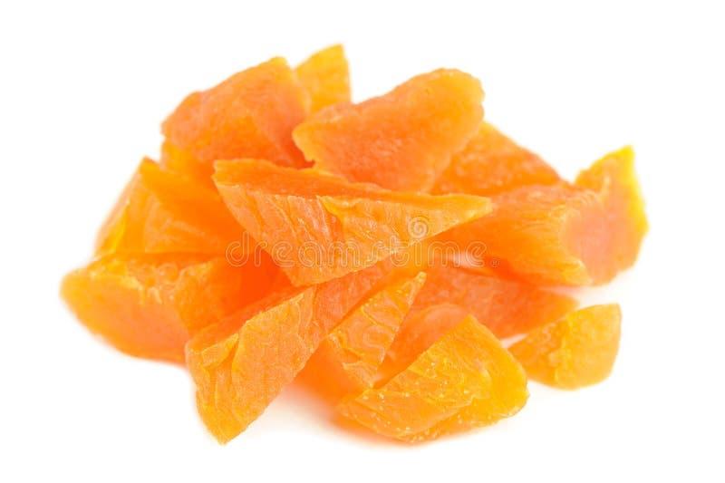 在白色背景的切好的杏干 库存照片