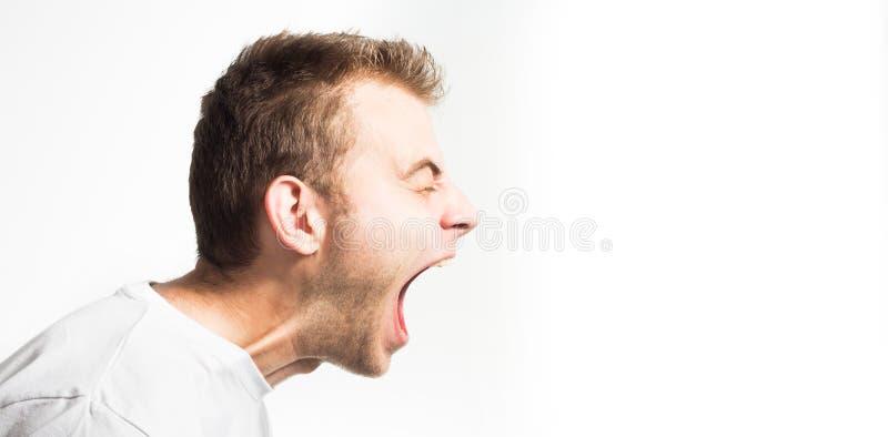 在白色背景的叫喊的恼怒的积极的好战的人外形,黑白画象,罪恶 免版税库存图片