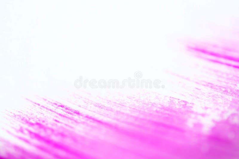 在白色背景的桃红色冲程 免版税图库摄影