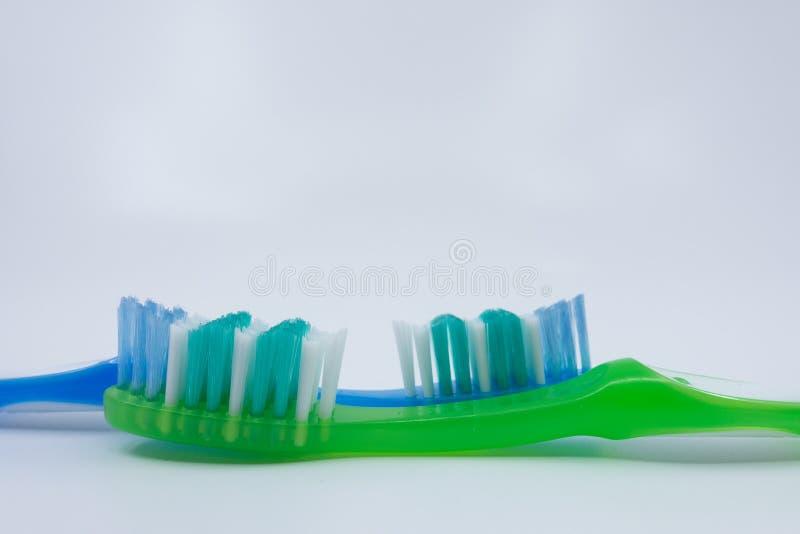 在白色背景的牙刷 库存照片