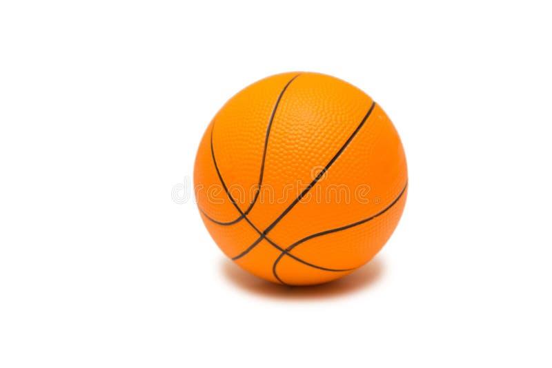 在白色背景的玩具篮球 免版税库存图片