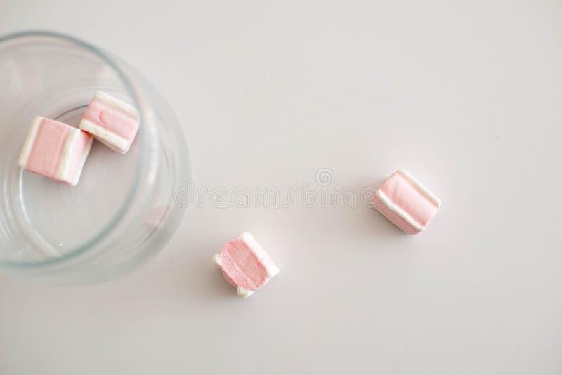 在白色背景的甜点 库存图片