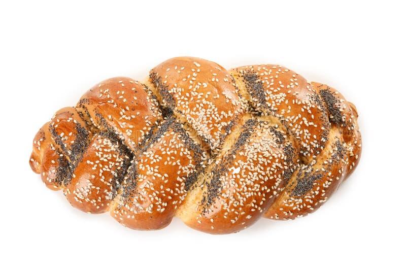 在白色背景的甜被打褶的鸡蛋面包 新鲜面包 免版税库存图片