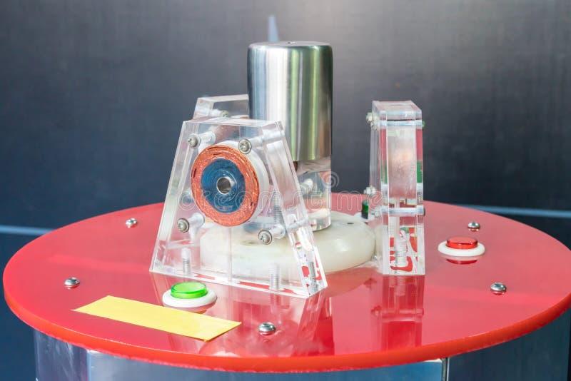 在白色背景的电化学机器 图库摄影