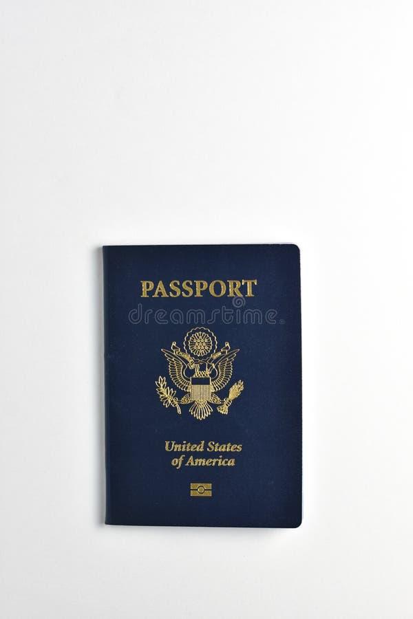 在白色背景的美利坚合众国护照 库存照片