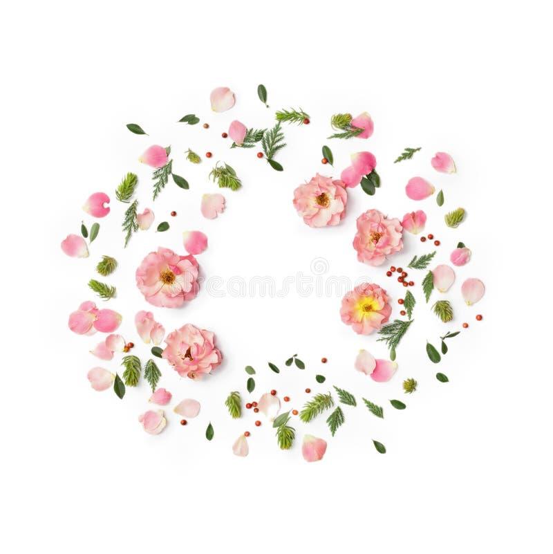 在白色背景的花卉圆的框架 平的位置,顶视图 库存图片