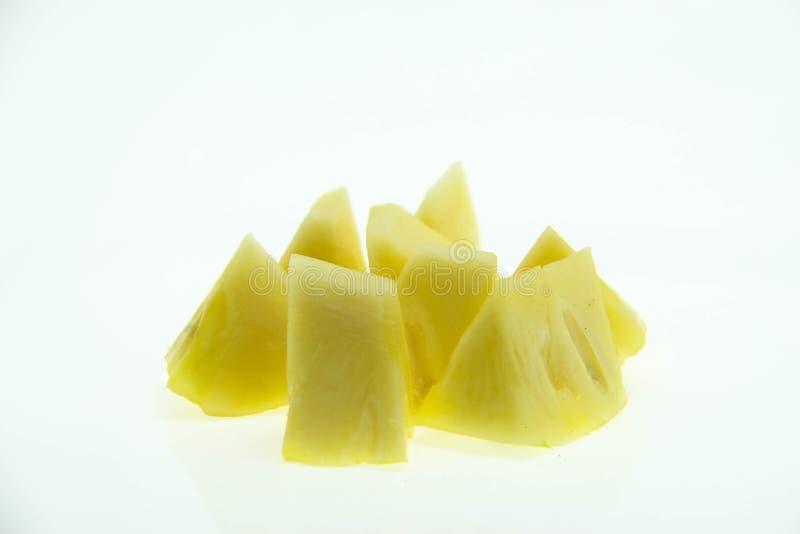 在白色背景的菠萝切片 免版税库存图片