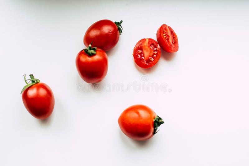 在白色背景的蕃茄 免版税图库摄影