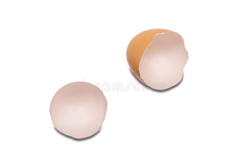 在白色背景的蛋壳 鸡蛋是钙的保健品富有 免版税库存照片