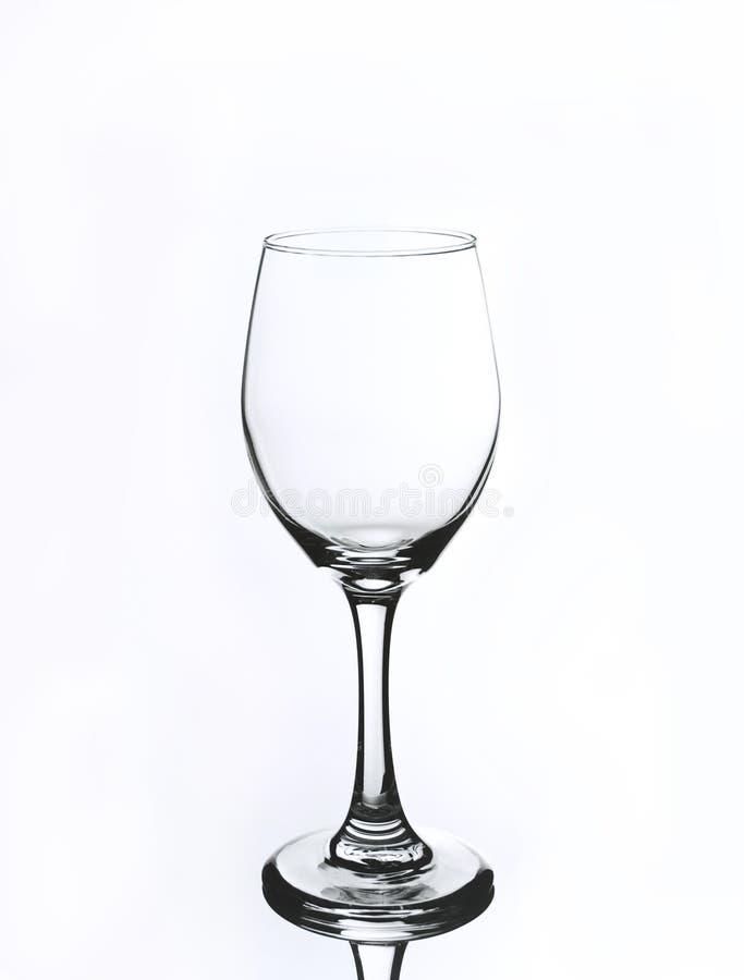 在白色背景的酒杯 免版税库存图片