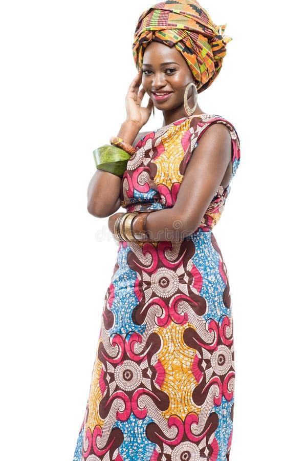 在白色背景的非洲时装模特儿。 库存图片