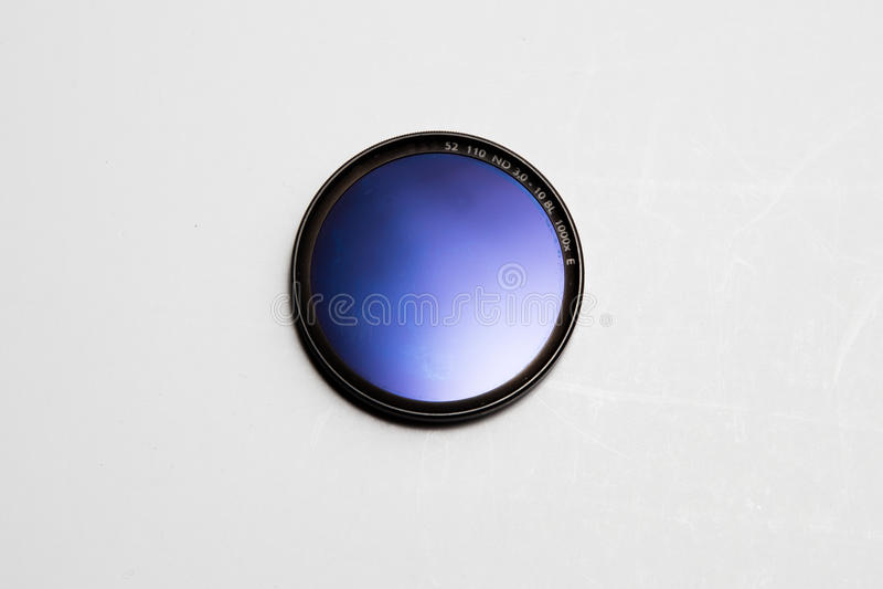 在白色背景的滤光透镜照相机 免版税库存照片