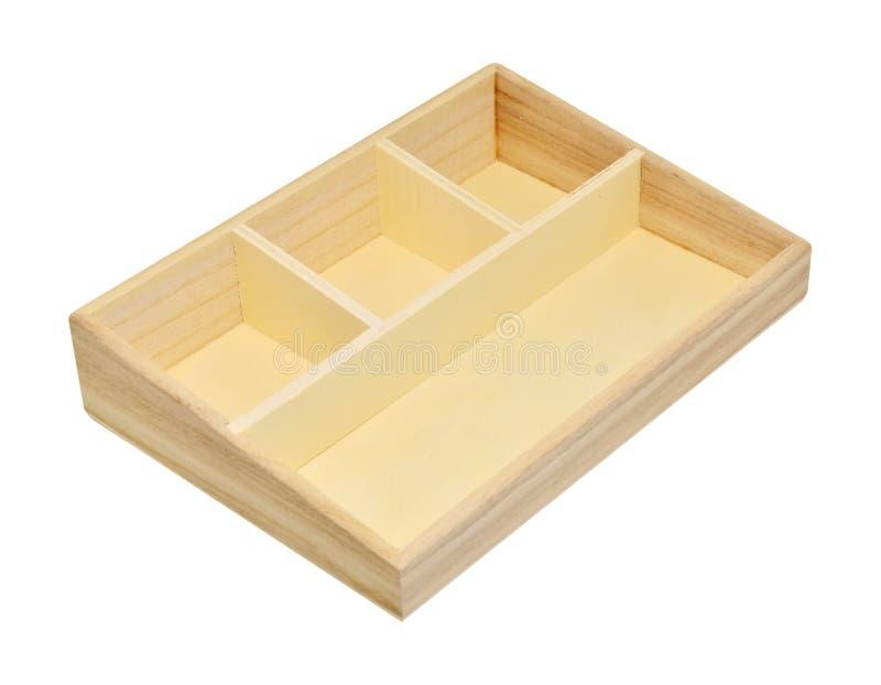 在白色背景裁减路线隔绝的空的木架子箱子 免版税库存图片