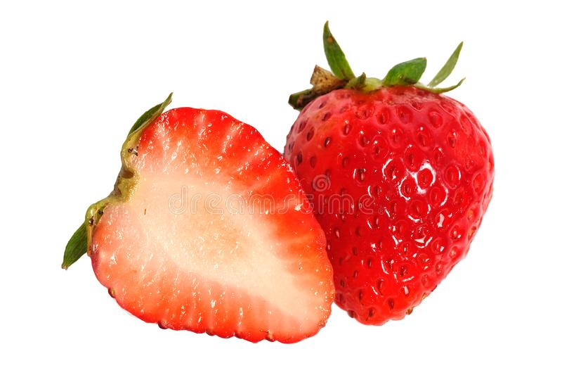 在白色背景隔绝的一半健康成熟唯一一个草莓 免版税库存照片