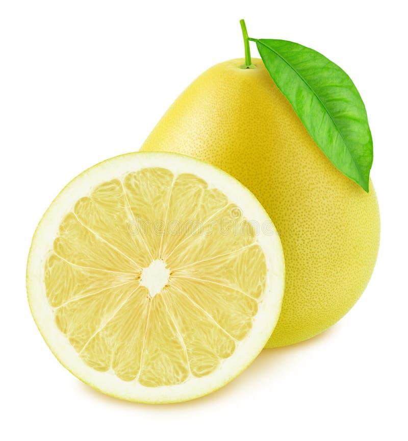 在白色背景隔绝的整个和被对分的柚 库存图片