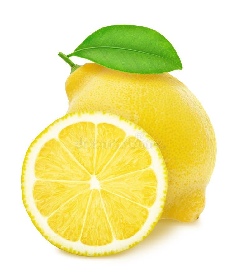 在白色背景隔绝的整个和被对分的柠檬 库存照片
