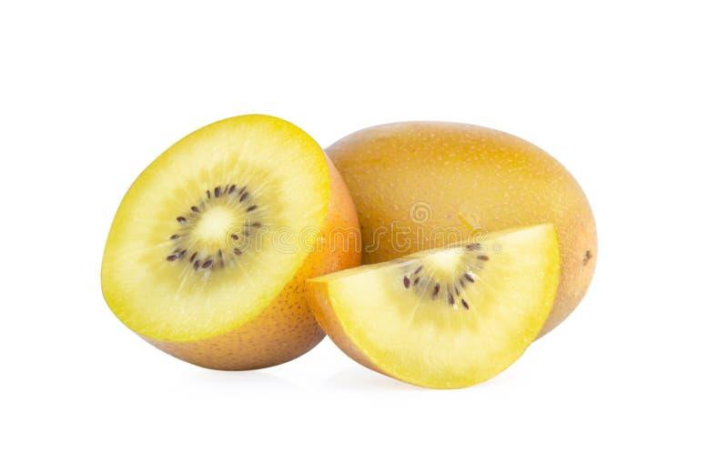 在白色背景隔绝的新金黄猕猴桃切片,果子conce 免版税库存图片