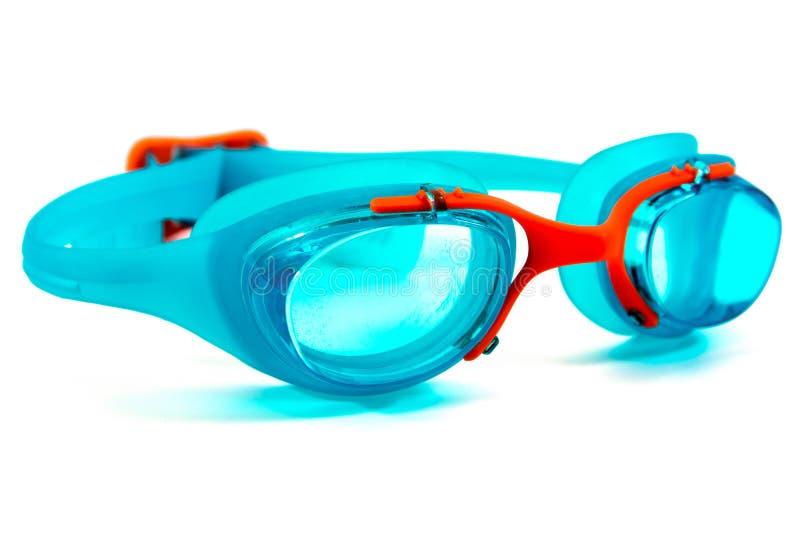 在白色背景隔绝的现代游泳的风镜 蓝色风镜隔绝了 库存照片