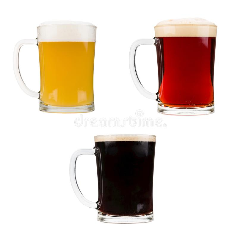 在白色背景隔绝的现实啤酒杯 图库摄影