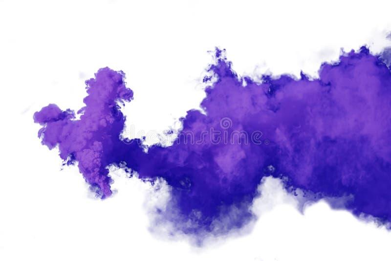 在白色背景隔绝的紫色和紫罗兰色烟 免版税图库摄影