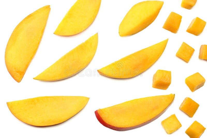 在白色背景隔绝的芒果切片 健康的食物 顶视图 库存图片