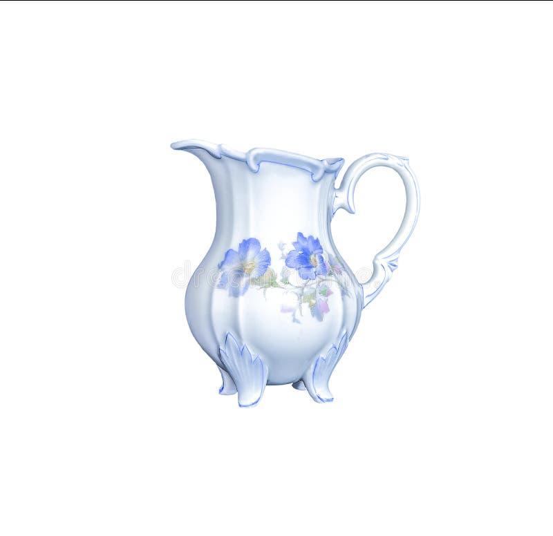 在白色背景隔绝的葡萄酒典雅的瓷盛奶油小壶 免版税图库摄影