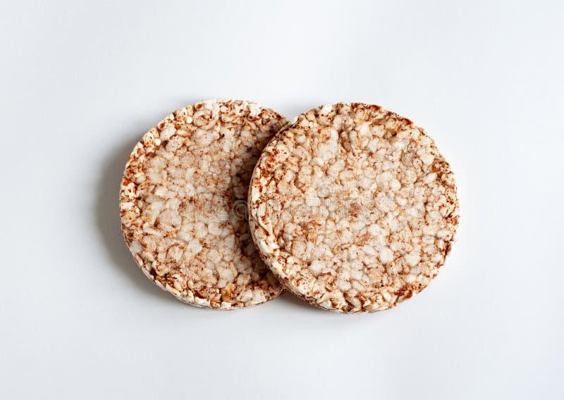 在白色背景隔绝的酥脆饮食健身面包 图库摄影