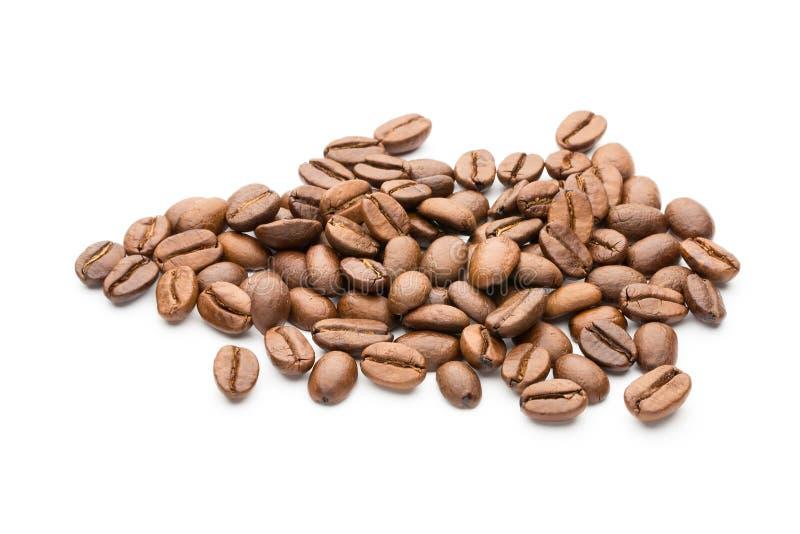 在白色背景隔绝的咖啡豆,特写镜头,宏指令 库存图片