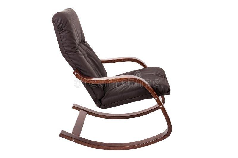 在白色背景隔绝的布朗晃动椅子 免版税库存图片