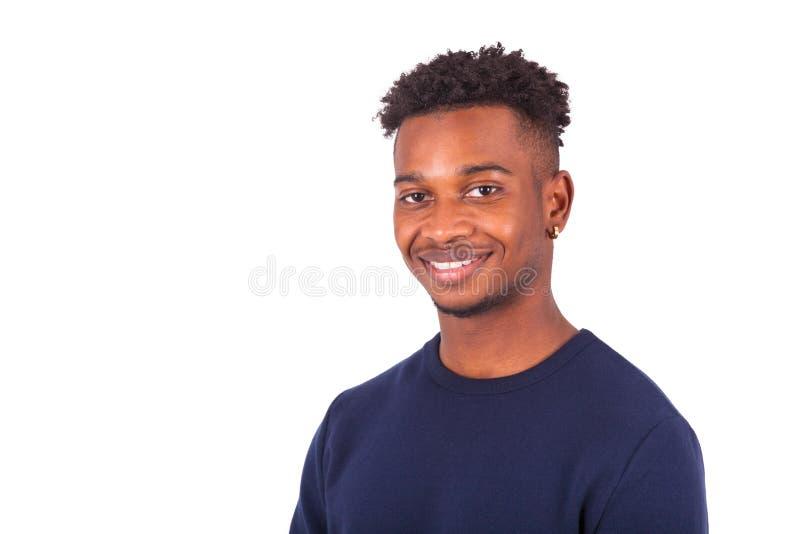在白色背景隔绝的愉快的年轻非裔美国人的人- 免版税库存照片