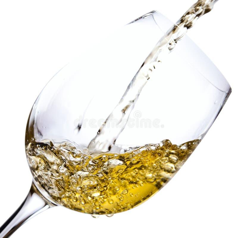 在白色背景隔绝的白葡萄酒 图库摄影