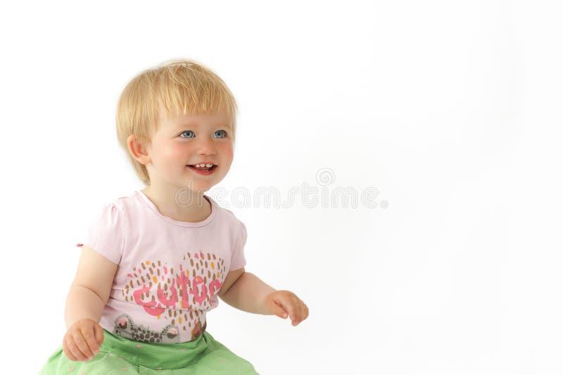 在白色背景隔绝的美丽的小女孩 免版税库存图片