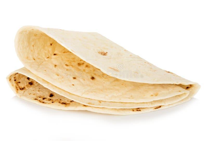 在白色背景隔绝的麦子圆的玉米粉薄烙饼特写镜头 Lavash 免版税库存图片