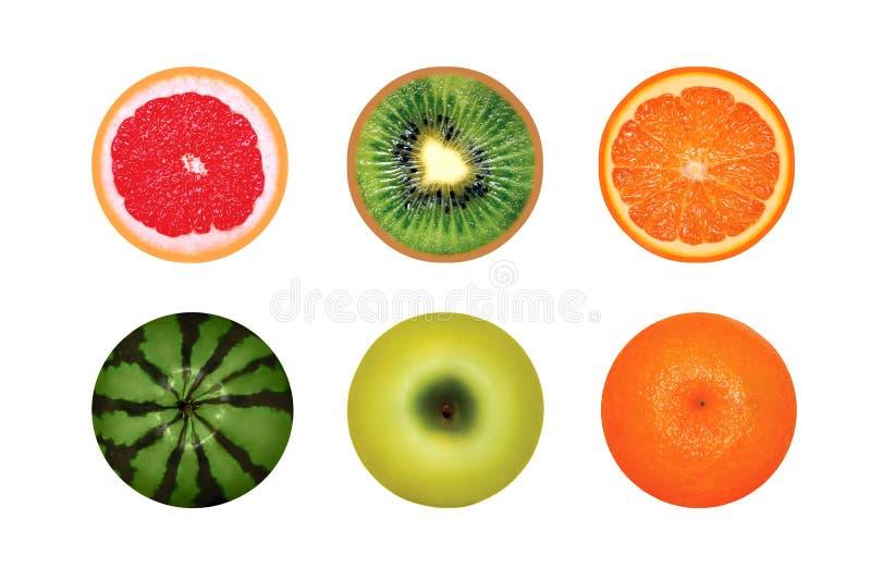 在白色背景隔绝的水多的圆的果子,葡萄柚,西瓜,猕猴桃,苹果桔子 库存照片