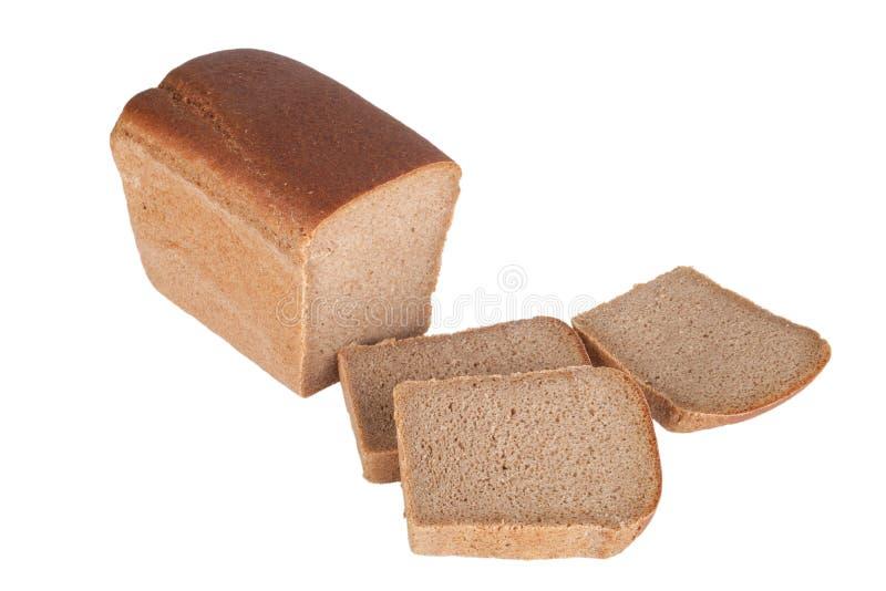 在白色背景隔绝的黑面包被切的†‹â€ ‹ 免版税库存照片