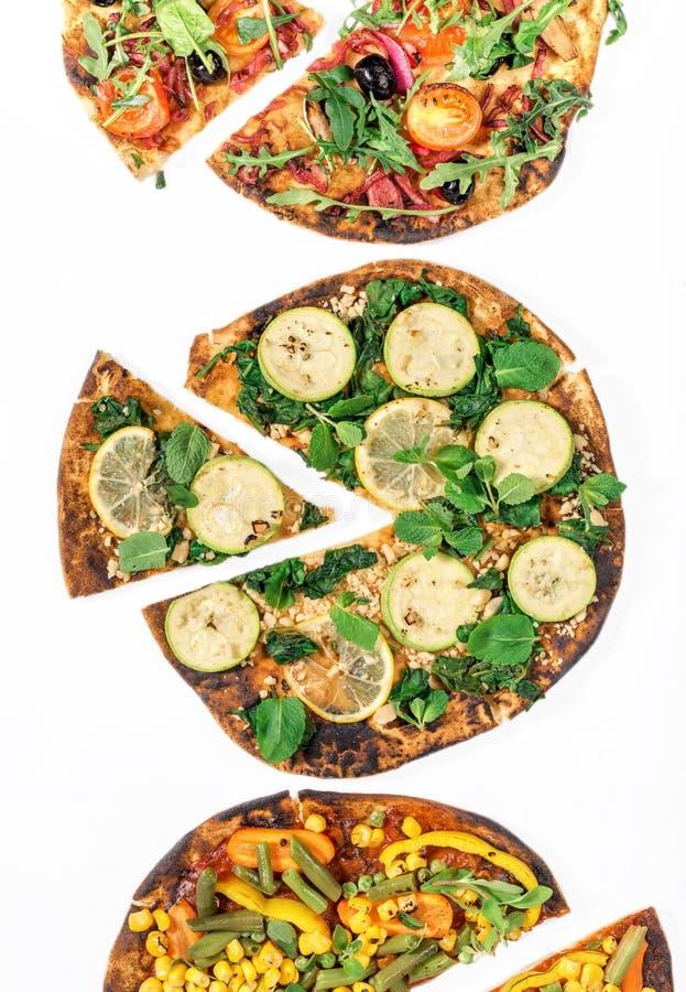 在白色背景,顶视图的素食主义者薄饼 免版税库存图片