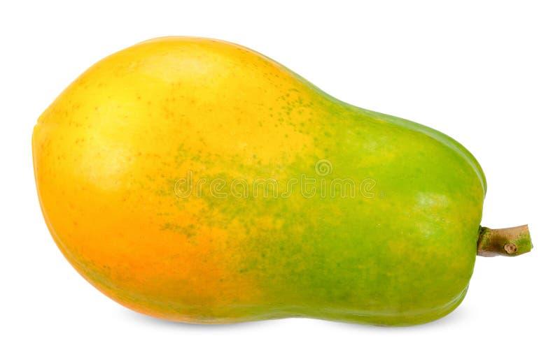 在白色裁减路线隔绝的成熟番木瓜 免版税库存图片