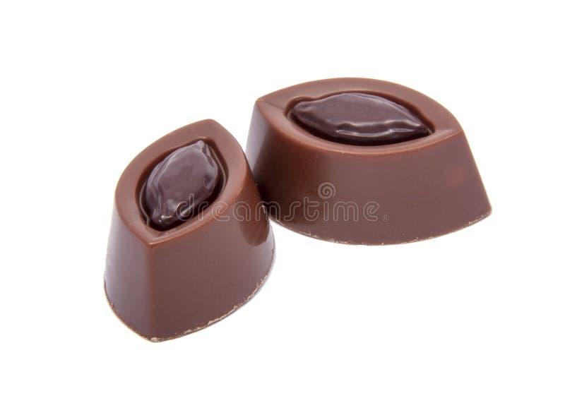 在白色隔绝的专属巧克力甜点 免版税库存照片