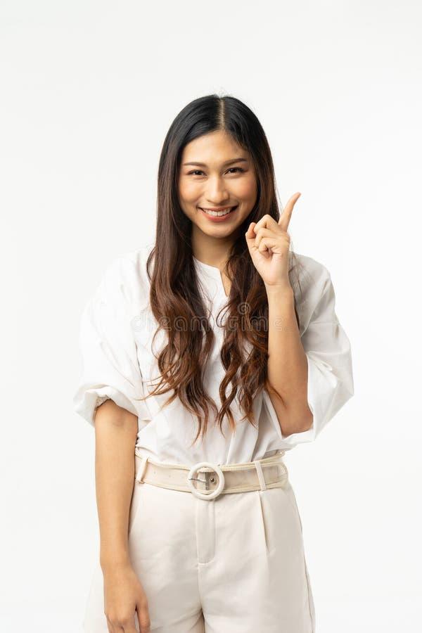 在白色隔绝的企业亚裔妇女 年轻美好的阿拉伯wom 图库摄影