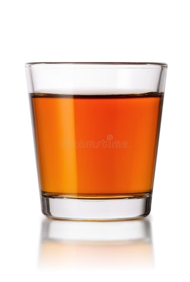 在白色隔绝的威士忌酒射击 免版税库存照片
