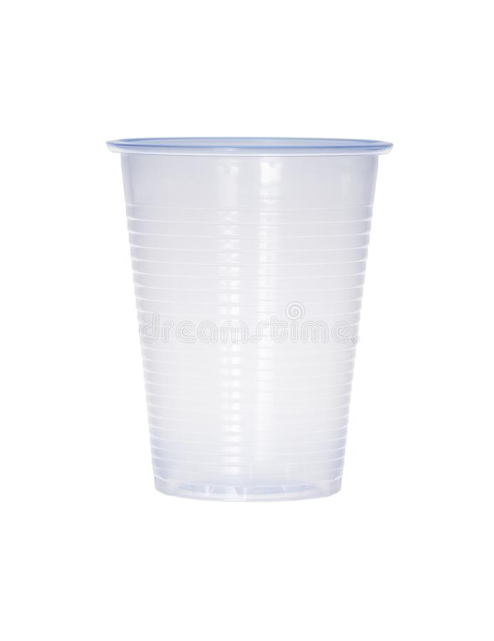 在白色隔绝的蓝色空的透明塑料杯子 免版税图库摄影