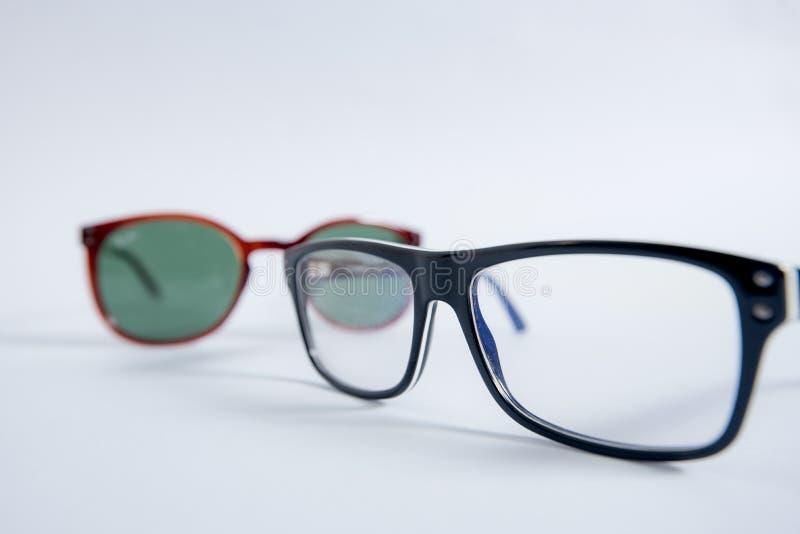 在白色隔绝的镜片,镜片,玻璃,太阳镜 免版税库存图片
