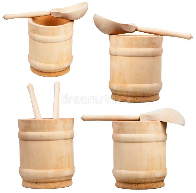 在白色隔绝的套木杯子和匙子 免版税图库摄影