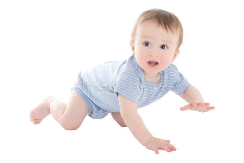在白色隔绝的滑稽男婴小孩爬行 免版税库存照片