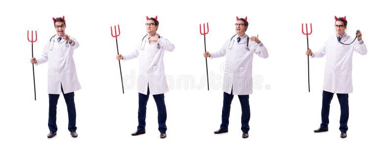 在白色backgrou滑稽的医疗概念的恶魔医生隔绝的 免版税库存图片