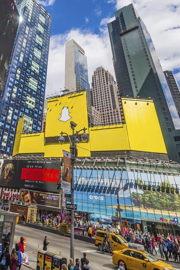 在百老汇的交通在时代广场 免版税图库摄影
