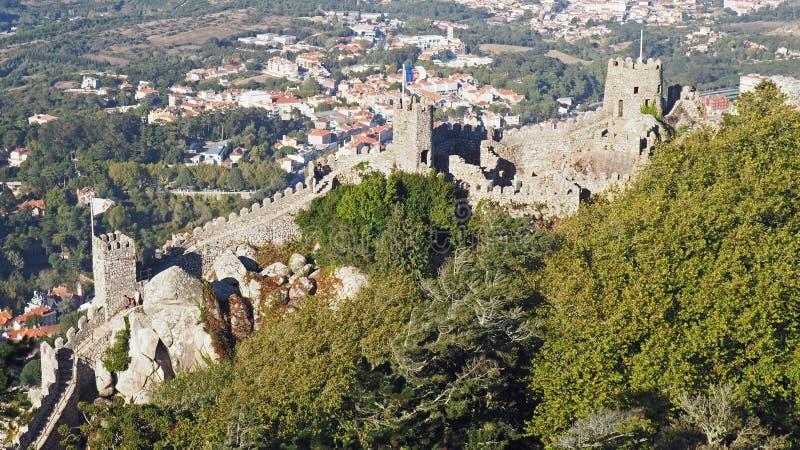 在的步停泊城堡,辛特拉,葡萄牙 免版税库存图片